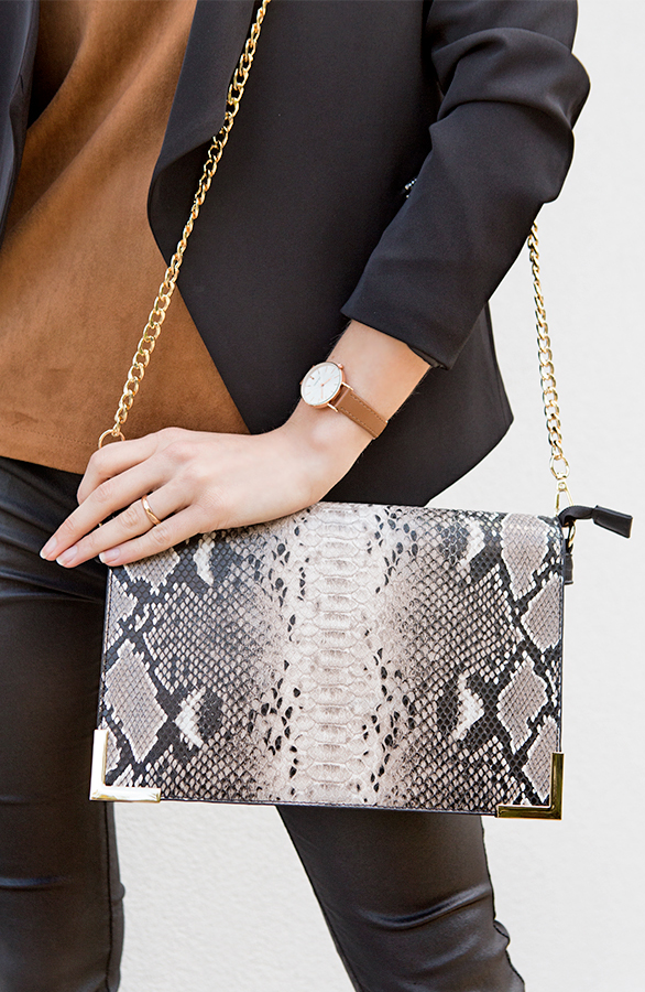 slangenprint clutches taupe